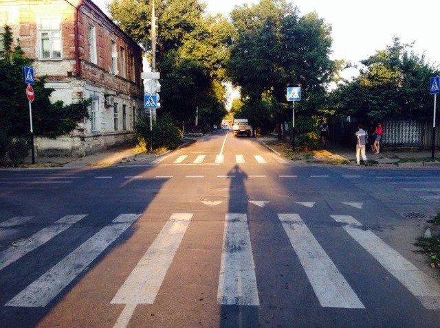 Краснодарка на иномарке сбила коляску с ребенком на пешеходном переходе