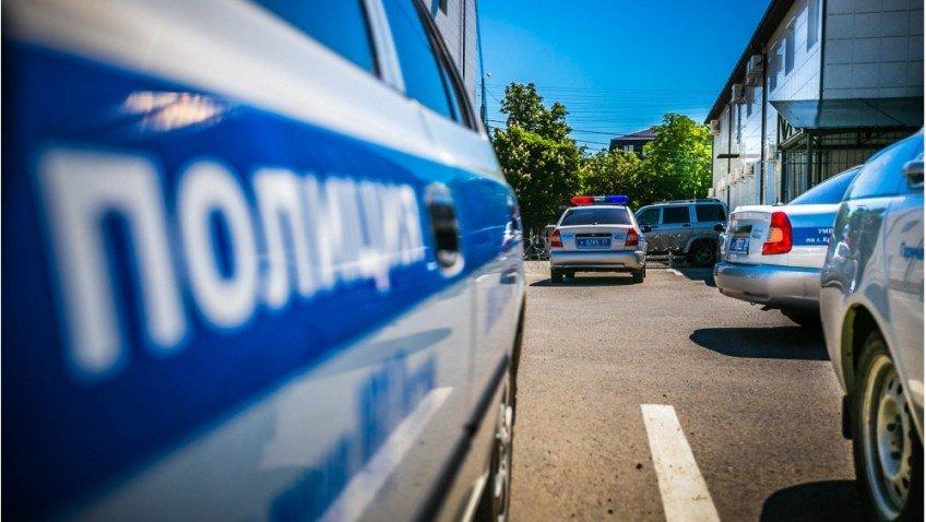 Пистолет и золотой кулон стали добычей жительницы Новороссийска, обокравшей нового знакомого в гостинице